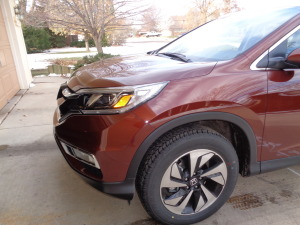 Sporty 18-inch wheels compliment the CR-V's prominent nose.