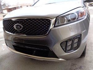 Kia's new look up front for the '16 Sorento.